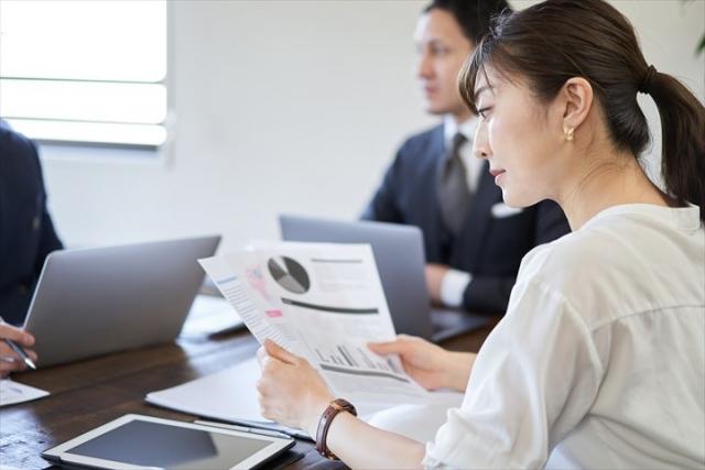 育休法改正に伴う社内規程のミーティング